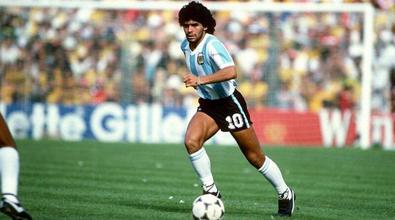 Chàng tiền vệ thiên tài Diego Maradona