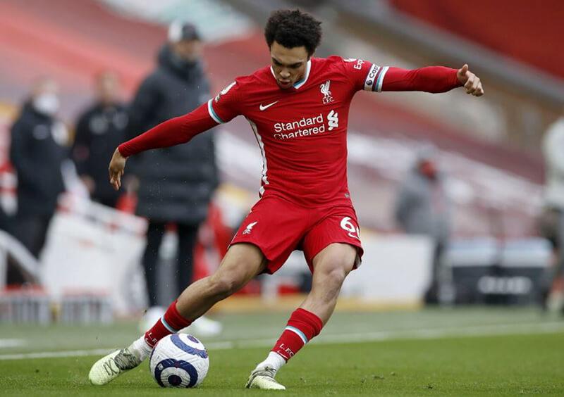 Chàng hậu vệ cánh tài năng của Liverpool