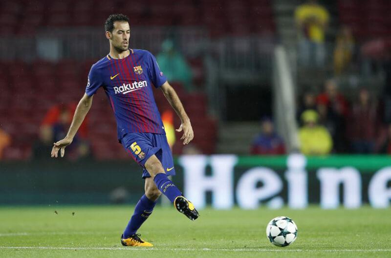 Tiền vệ phòng ngự mềm mại và uyển chuyển - Sergio Busquets (Barcelona)